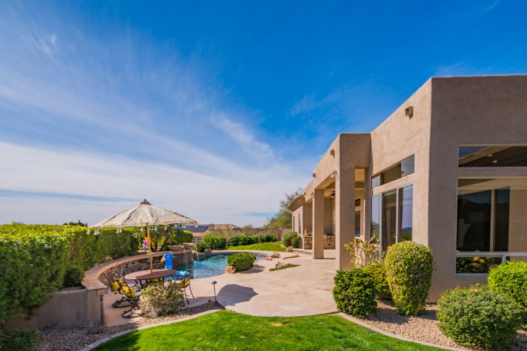 Large backyard space in North Scottsdale