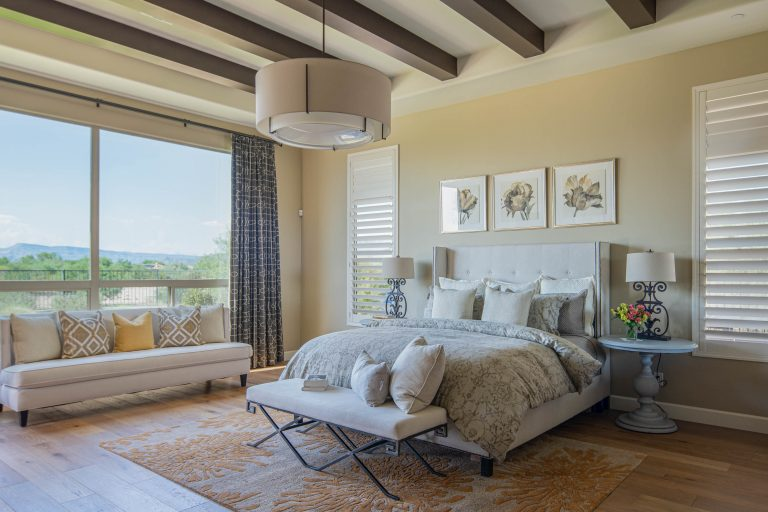 Spacious owner's suite in North Scottsdale