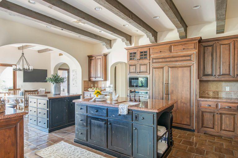 Spacious kitchen in North Scottsdale
