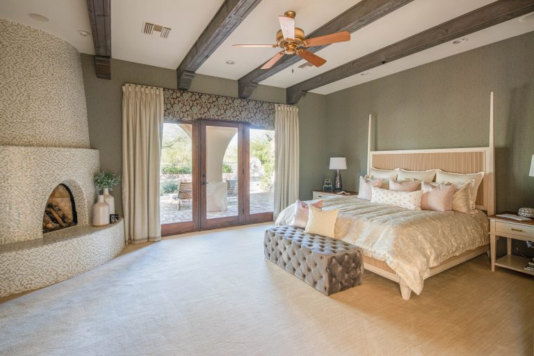 Restful master suite in North Scottsdale