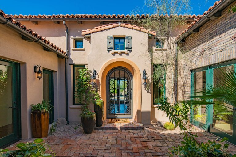 Front entry in North Scottsdale